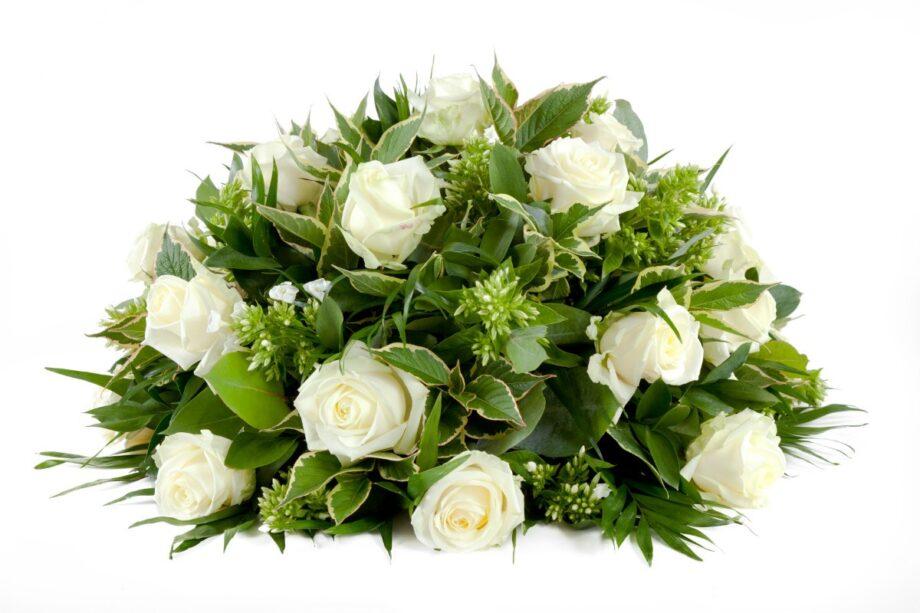 rust zacht rouwbloemen wit